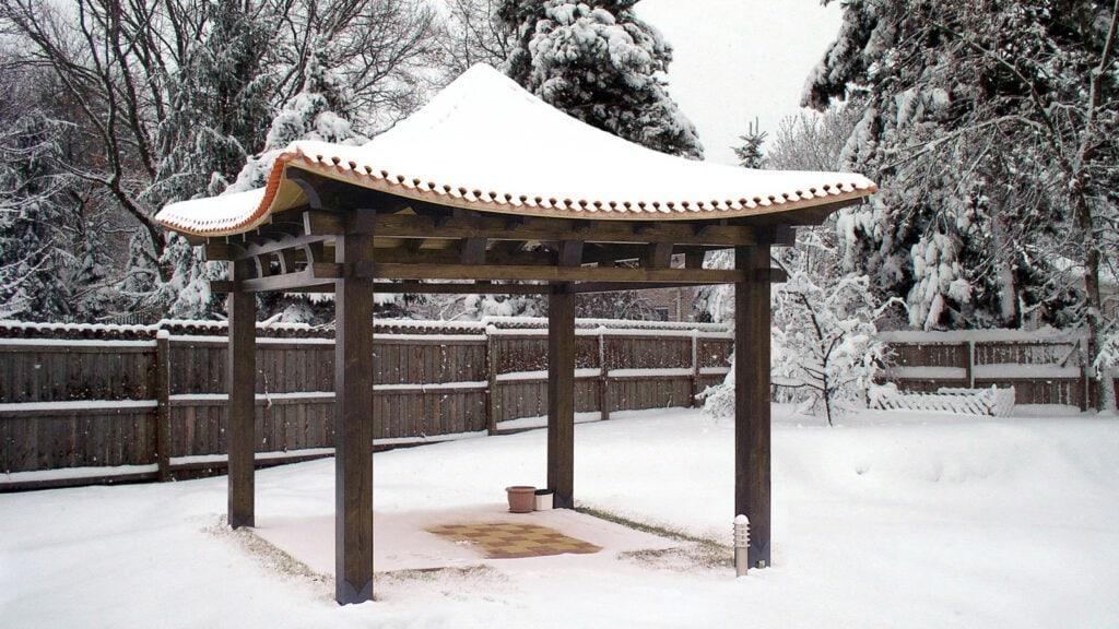 japonsky altanok hinode v zime